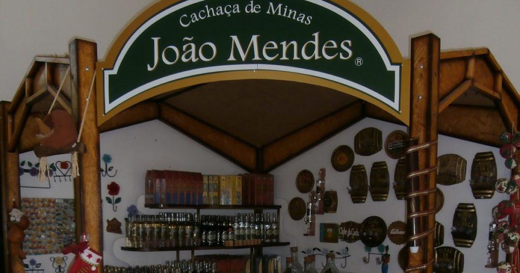 CACHAÇA JOÃO MENDES OURO