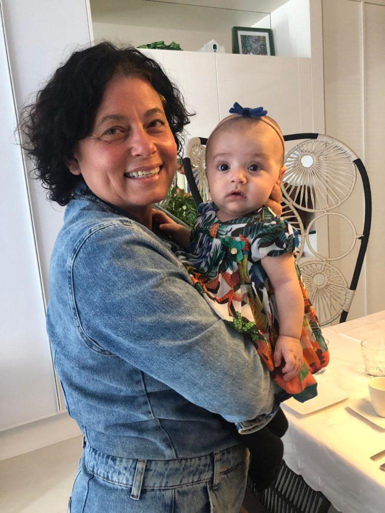 Maria Izabel e neta