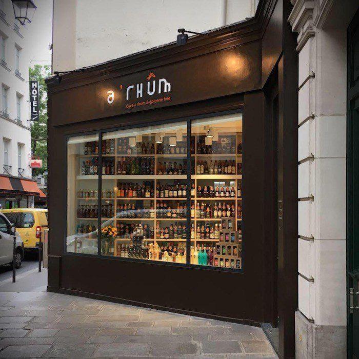A Rhum - Cave em Pari serve rum de todo mundo