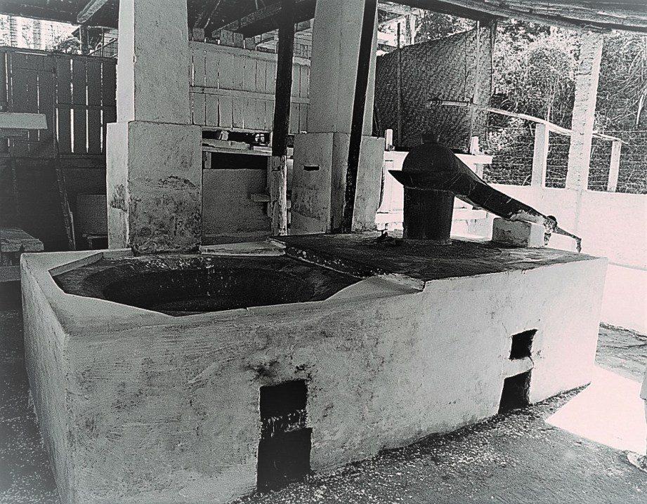 Antigo alambique da colombina
